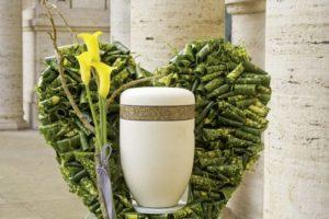 Natural Urn Arrangement