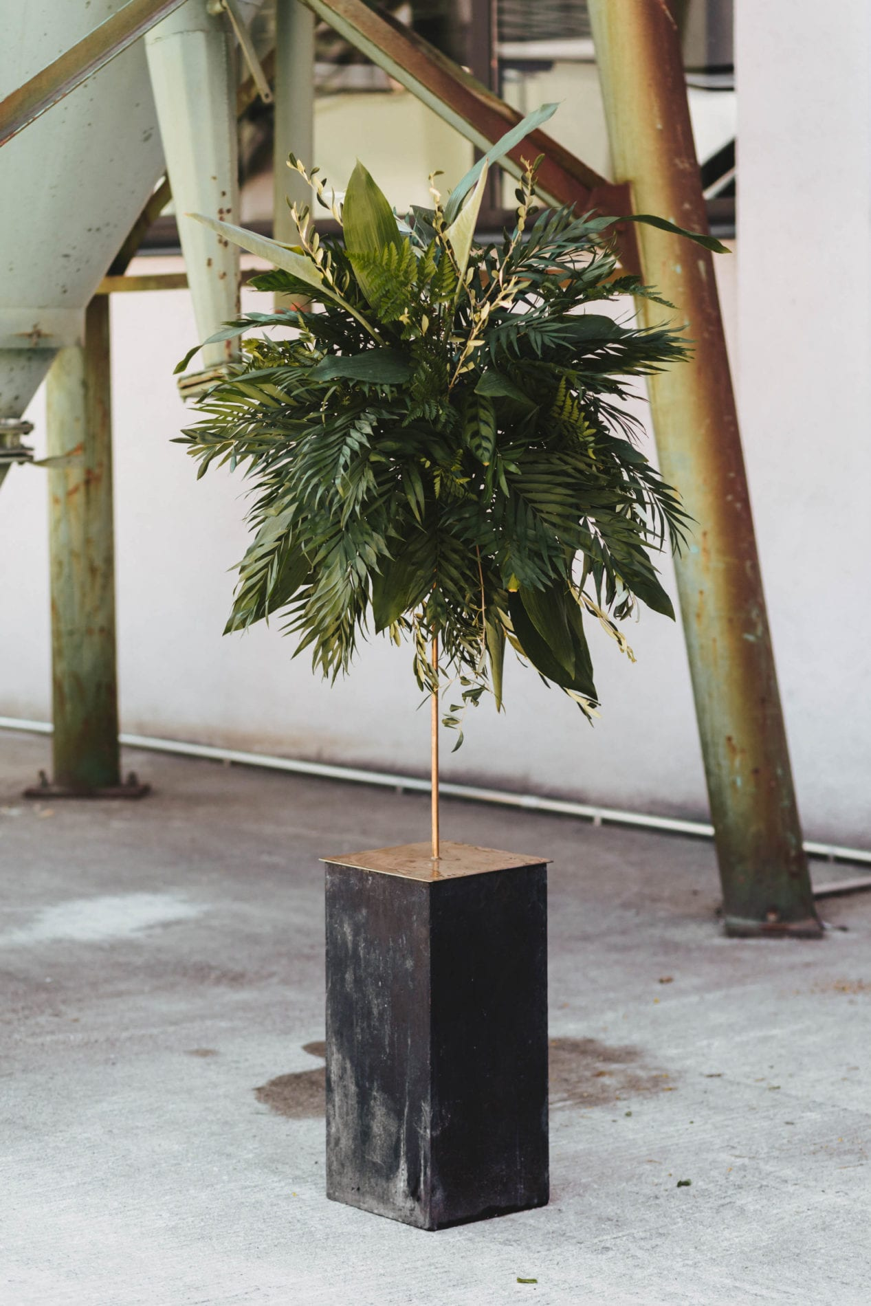 Floral Design – Room Decoration Jungle Fever