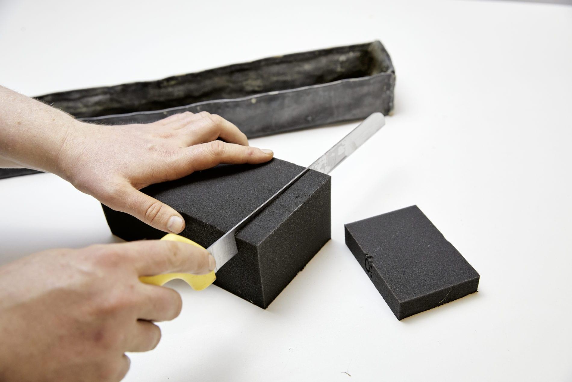 Tischdekoration schwarzer Steckschaum Ziegel