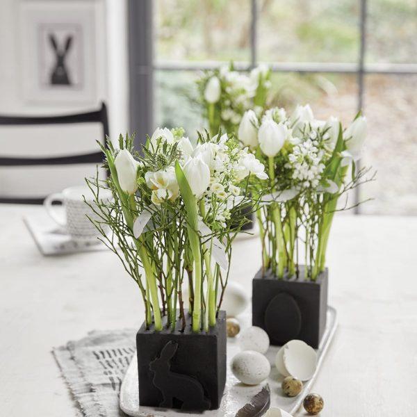 Ostern Osterdeko Tisch Deko Schnitzen Ausstechen Steckschaum Blumen