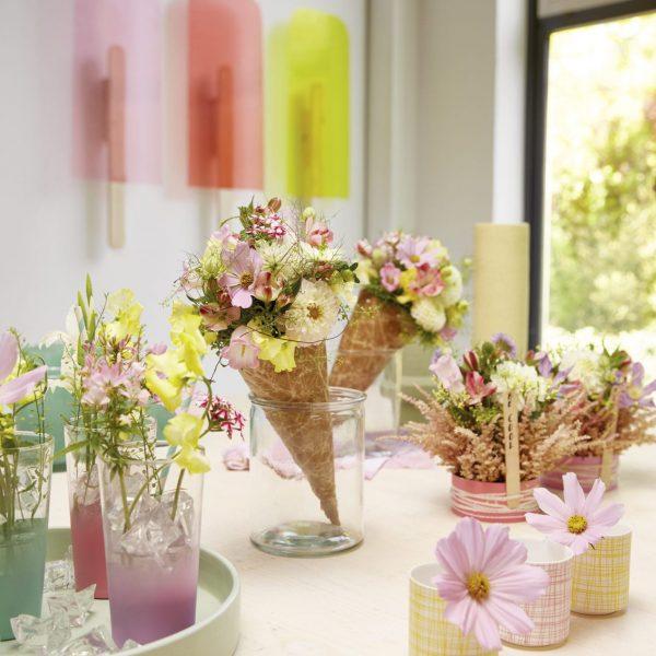 Sommer Dekoration Blumen Steckschaum Farbspray