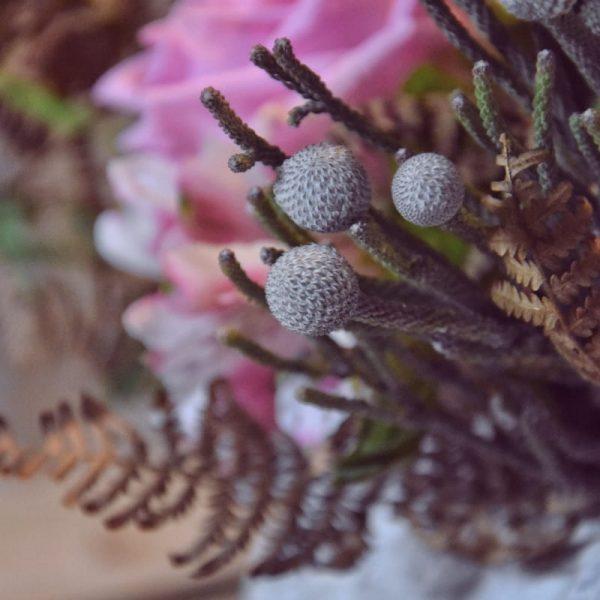 biobasierter Steckschaum closeup Blüten