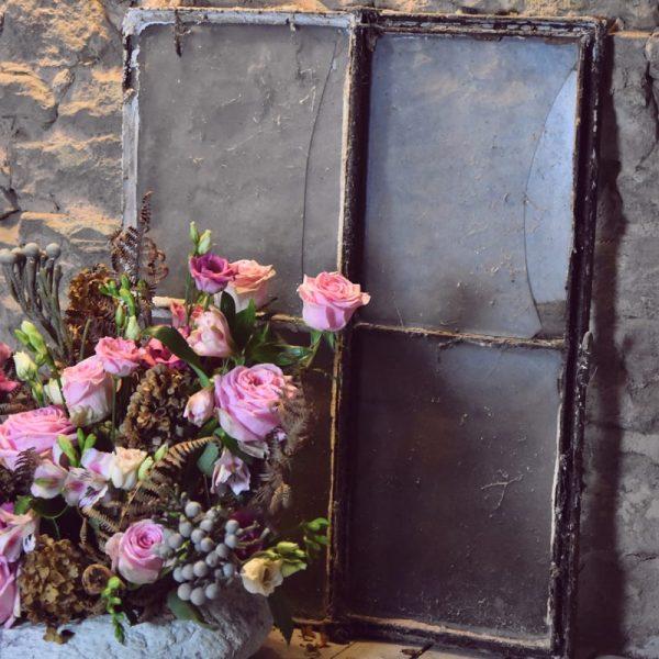 biobasierter Steckschaum rosa Blumen